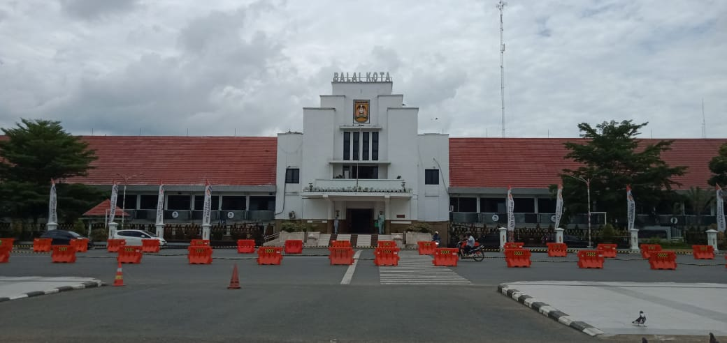 Masyarakat Mulai Menyesuaikan Arus Lalin di Depan Balai Kota Banjarbaru