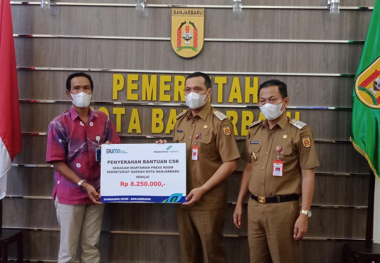PT Angkasa Pura I Serahkan Bantuan untuk Insan Pers Banjarbaru