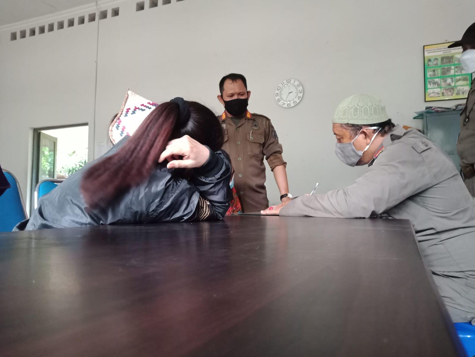 Giat Satpol PP Banjarbaru Berhasil Mengamankan 5 Wanita PSK Sedang Mangkal di Pembatuan
