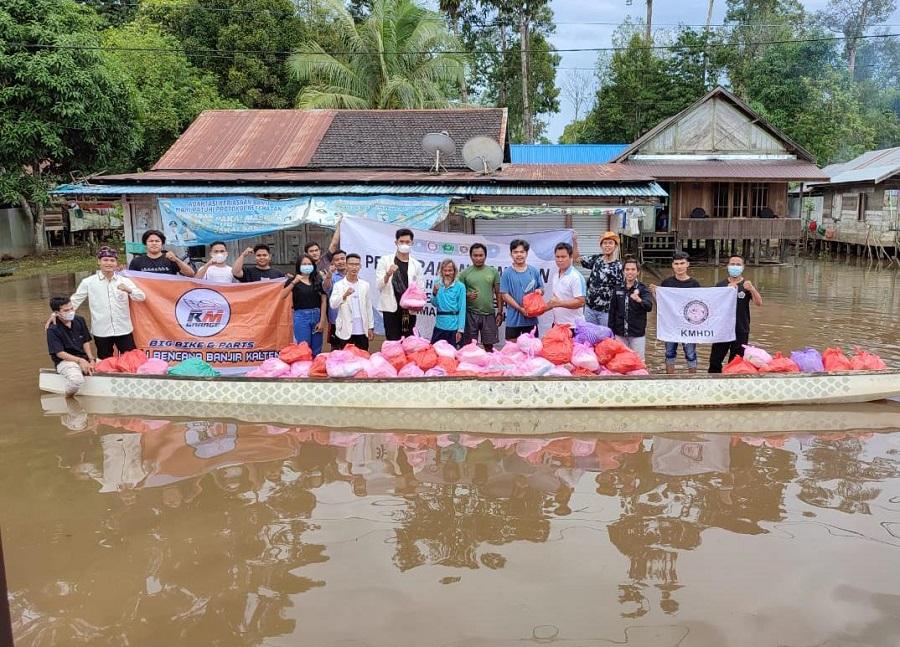 KMHDI Kalsel Terjun Langsung Beri Bantuan Korban Banjir di Kalteng