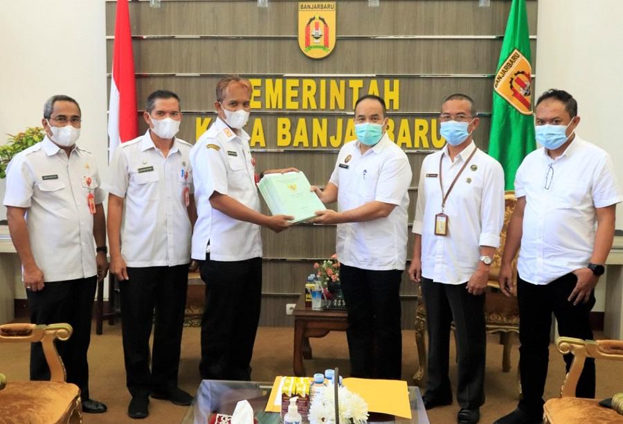 Pemkot Banjarbaru Terima 70 Sertifikat dari BPN