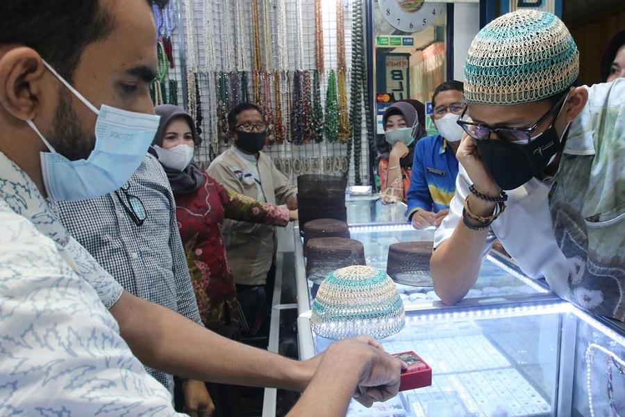 Sandiaga Uno Kunjungi Pusat Perbelanjaan Martapura,