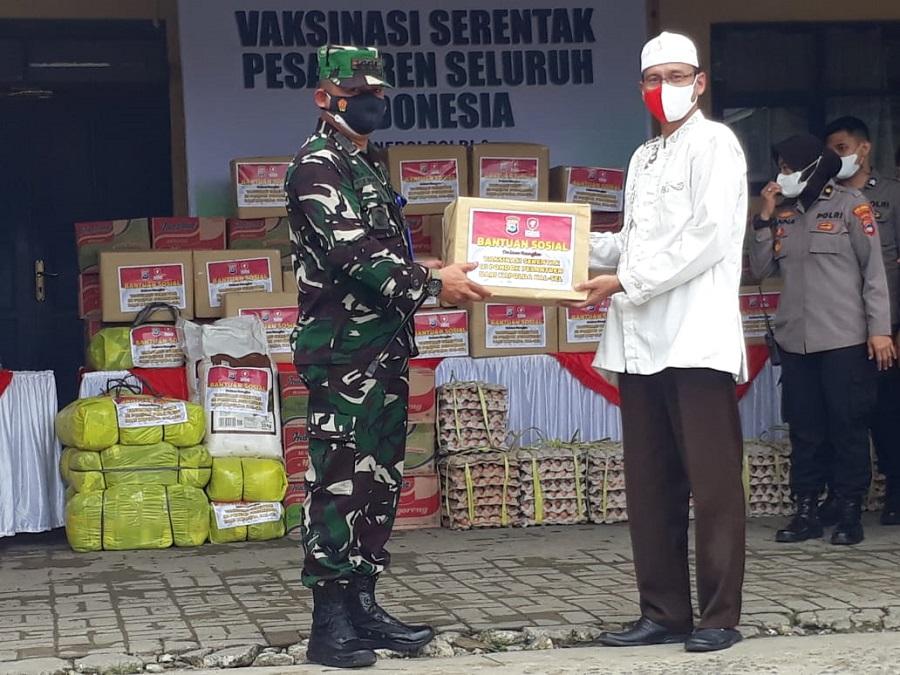 Vaksinasi Santri di Pondok Pesantren Al-Istiqomah