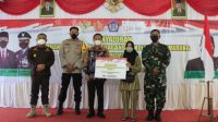 Secara Bertahap, PKL dan Warung di Banjarbaru Dapat Bantuan Tunai