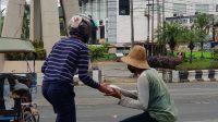 Turun ke Jalan, Komunitas Buat Baik Banjarbaru Bantu Warga Terdampak Covid-19
